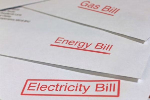 Article image for Default power price to save families hundreds