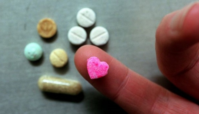 Article image for Forensic scientist explains whether pill testing could work