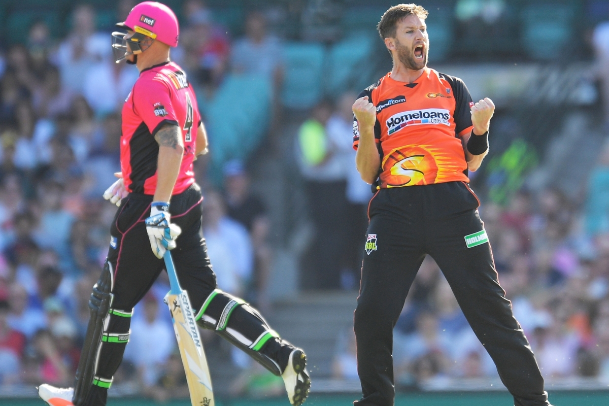 Article image for Tye hat-trick helps Scorchers past Sixers