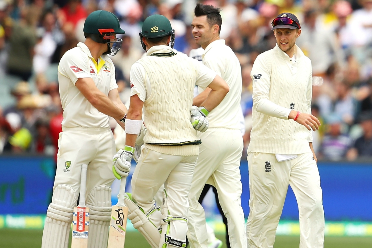 Article image for Frustration for England early on Day 2