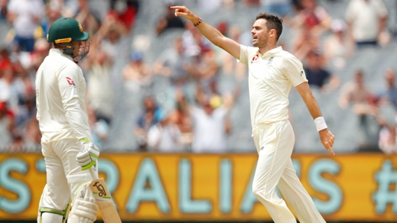 Article image for England on top at Lunch