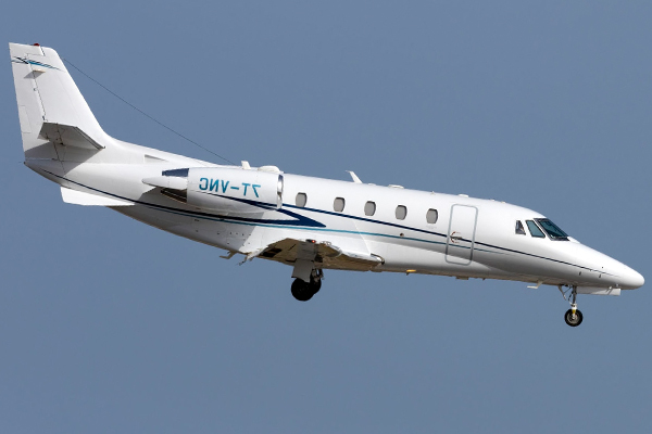 Article image for CRISIS AVERTED | Plane plummets with senior state officials on board