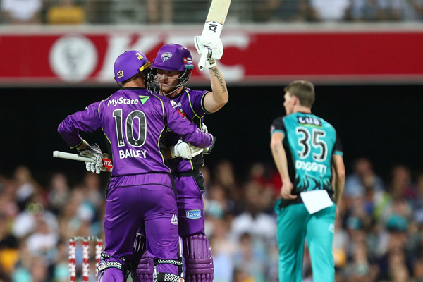 Article image for Run-out controversy as a rising star smashes BBL record