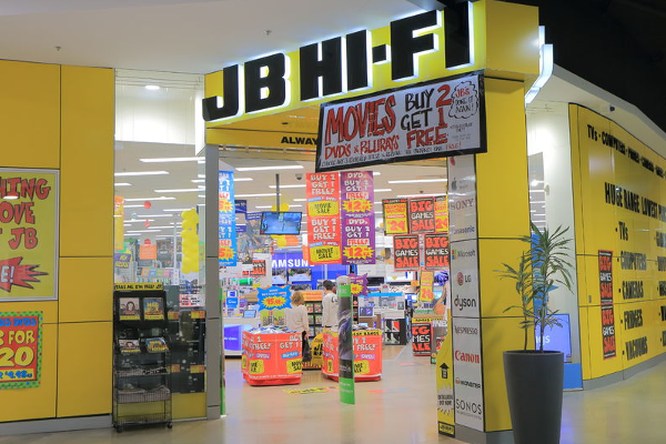 Article image for Electronic retail giant JB Hi-Fi's shares drop despite $151 million profit