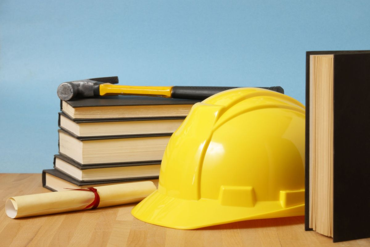 Article image for Tradie unable to fill apprenticeship spots for nine months