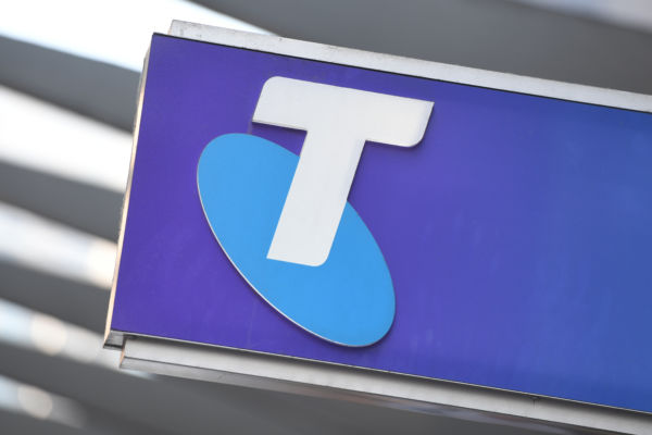Article image for Queensland Premier demands Telstra foots the bill of emergency text messages