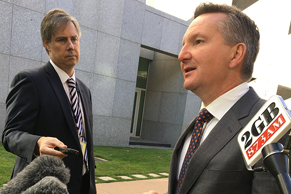 Article image for Shadow Treasurer 'cynical' about seven-year income tax plan