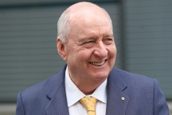 Alan Jones phones his own show from Europe