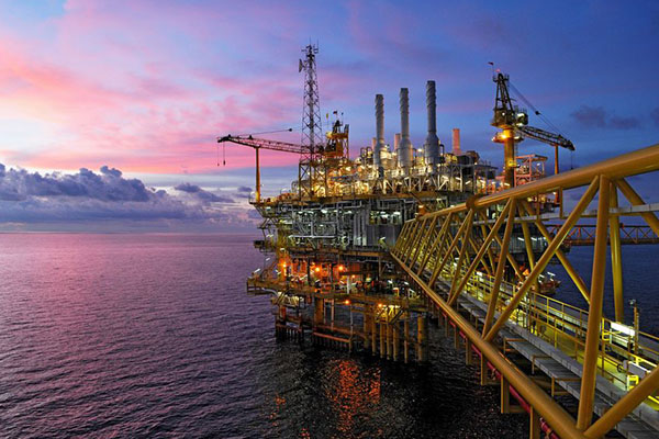 Article image for WA strikes oil discovery fueling hopes for new oil province