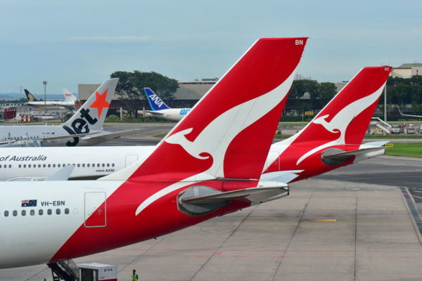 Article image for Qantas returns to paying company tax after posting record profit