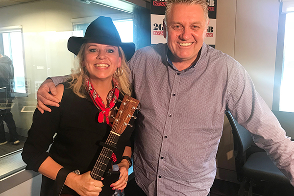 Article image for Country music songstressBeccyCole serenades Ray in-studio