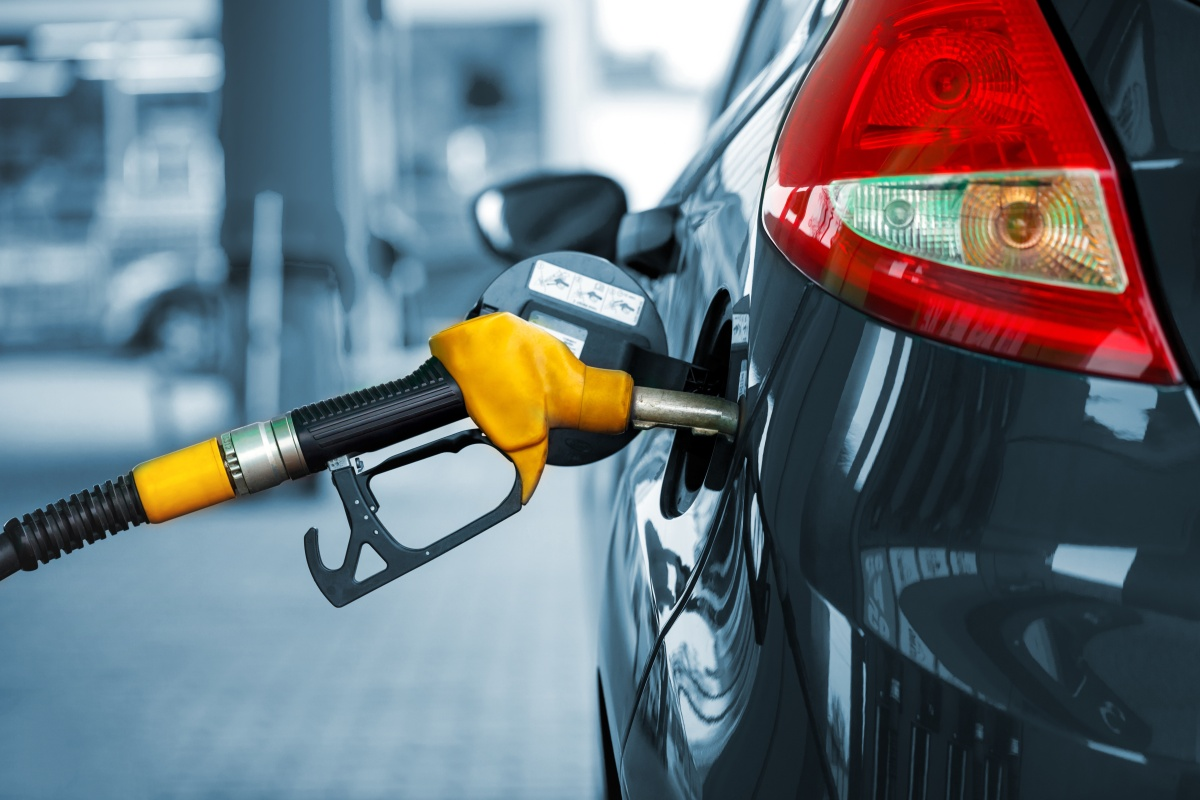 Article image for Motorists urged to shop around as petrol margin blows out