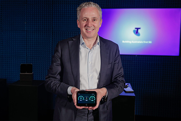 Article image for Telstra unveils first look at 5G network, 160-times faster than NBN