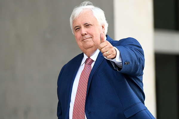 Article image for Clive Palmer calls for Twisted Sister singer's Australia tour to be cancelled over musical spat