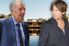 John Singleton sprays Keith Urban after Australia Day concert mix up