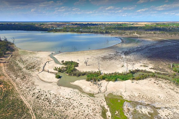 Article image for Farmer's desperate plea for access to Murray-Darling water allocations