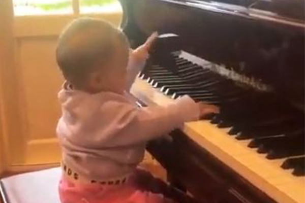 Article image for WATCH | Ray's baby granddaughter Ava playing piano