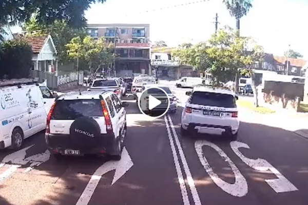 Article image for DASHCAM   Idiotic P-plater in a Range Rover drives on wrong side of road