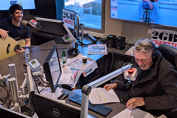 Article image for Aussie country music star Morgan Evans gets 'Day Drunk' with Ray Hadley
