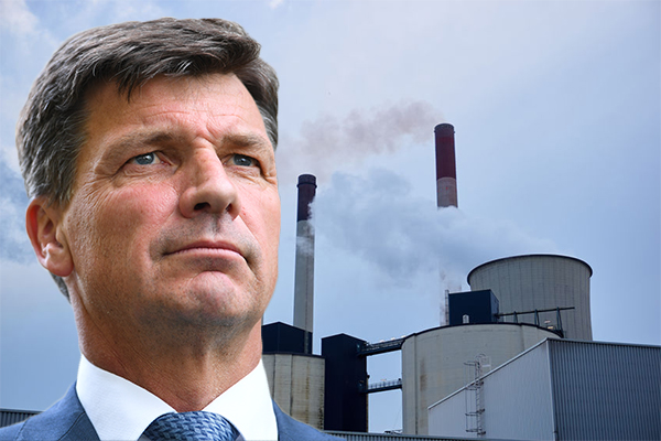 Article image for Energy Minister fighting to keep coal fired powered stations going