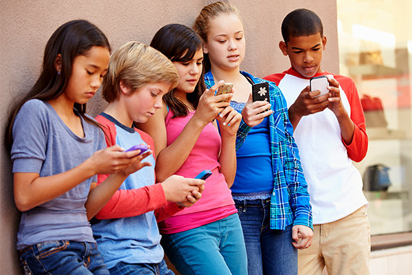Article image for Mobile phones banned in Victorian schools