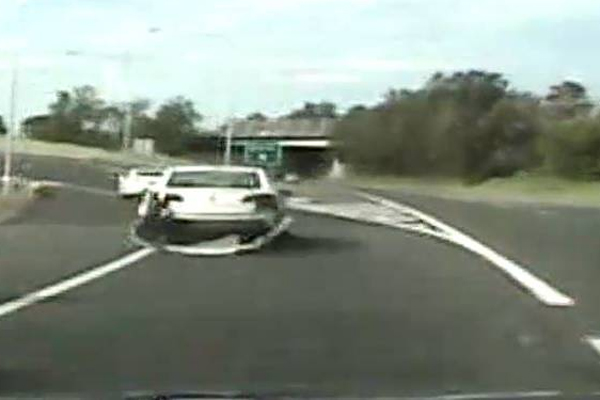 Article image for DASHCAM | Driver allegedly goes on 22km police chase while high on ice