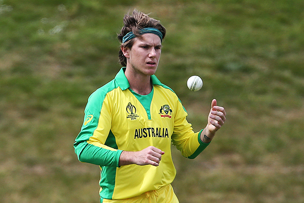 Article image for WATCH | Australian cricket team accused of ball-tampering