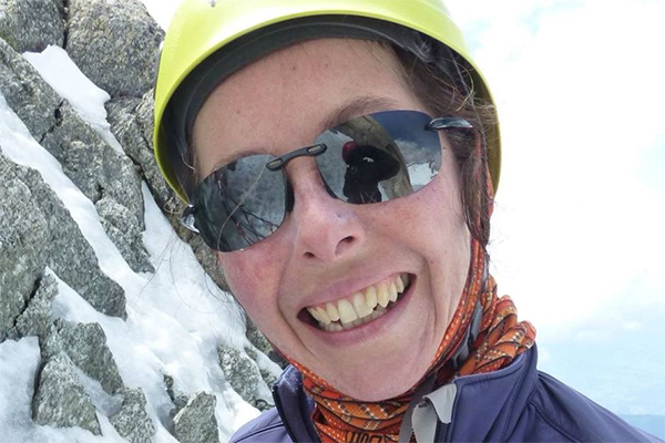Article image for Calls for tighter climbing restrictions as Sydney woman goes missing in Himalayas