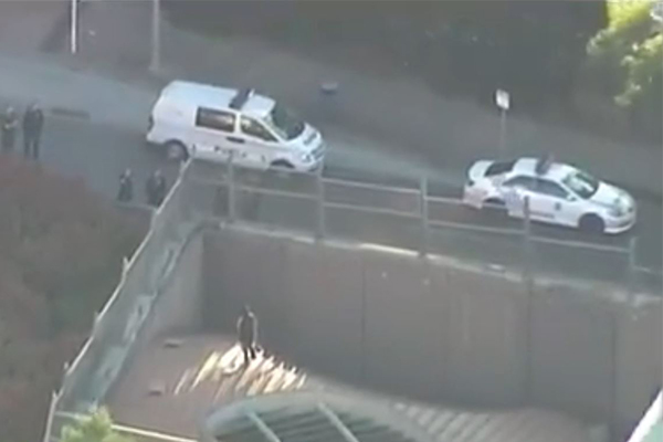 Article image for Knife-wielding man shuts down major Brisbane tunnel