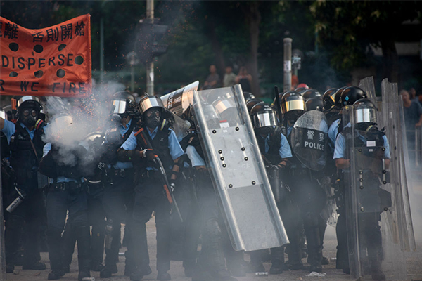 Article image for Government upgrades travel warning for Hong Kong
