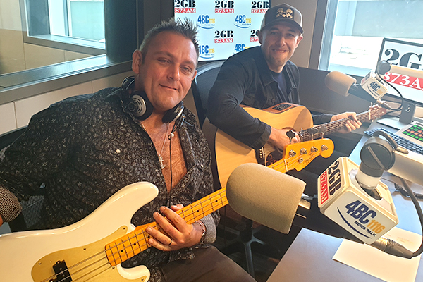 Article image for The Wolfe Brothers perform a moving tribute to Aussie veterans live in studio