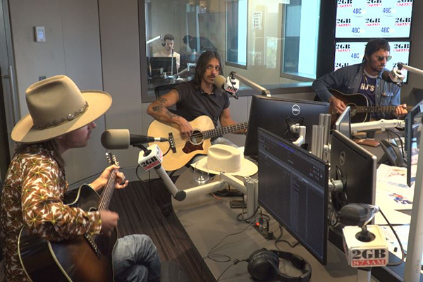 Article image for Country music trio Midland perform their hit 'Mr Lonely'