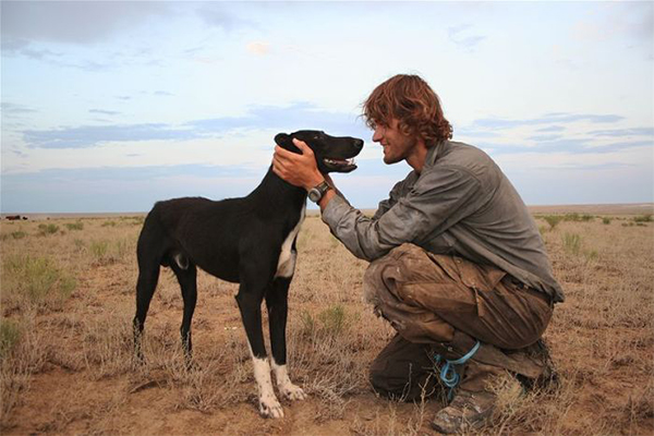 Article image for Aussie adventurer's extraordinary 10,000km journey with his dog