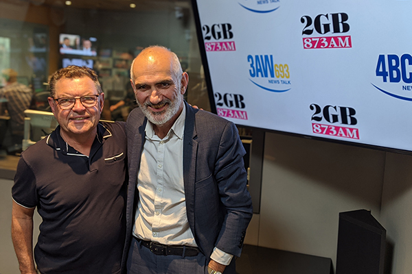 Article image for Legendary Aussie musician Paul Kelly performs his newest song