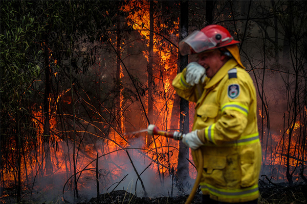 Article image for Firefighters increasingly fatigued as fire season expected to continue until March