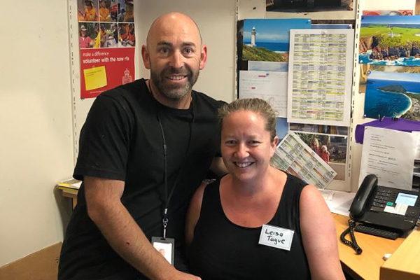 Article image for Incredible couple continues volunteering after losing everything in bushfires
