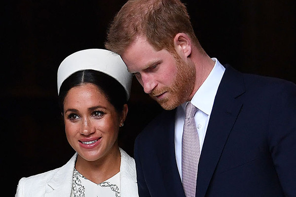 Article image for Harry and Meghan announce split from royal family
