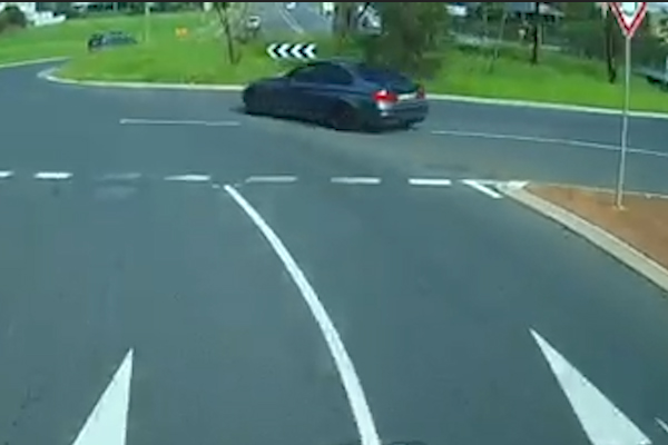 Article image for WATCH | Dashcam shows hoon drifting through roundabout
