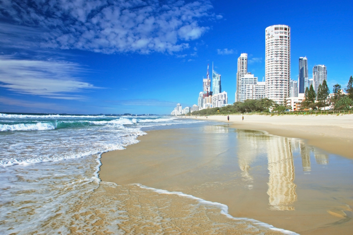 Article image for Major Gold Coast beaches closed to all visitors from tonight
