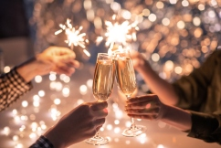 QLD warned to maintain social distancing as state gears up for NYE