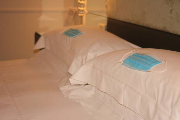 Article image for Infectious diseases expert's view on extending hotel quarantine