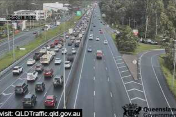 Article image for Big traffic delays as motorists flee the city for the long weekend