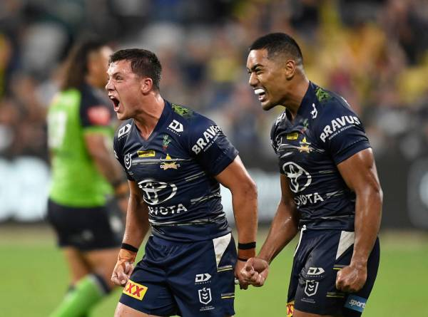 Article image for Scott Drinkwater shores up his NRL future with the Cowboys