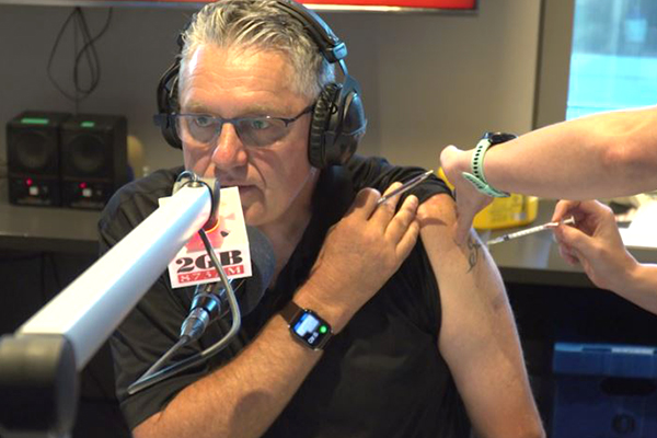 Article image for WATCH   Ray Hadley receives AstraZeneca jab live on-air