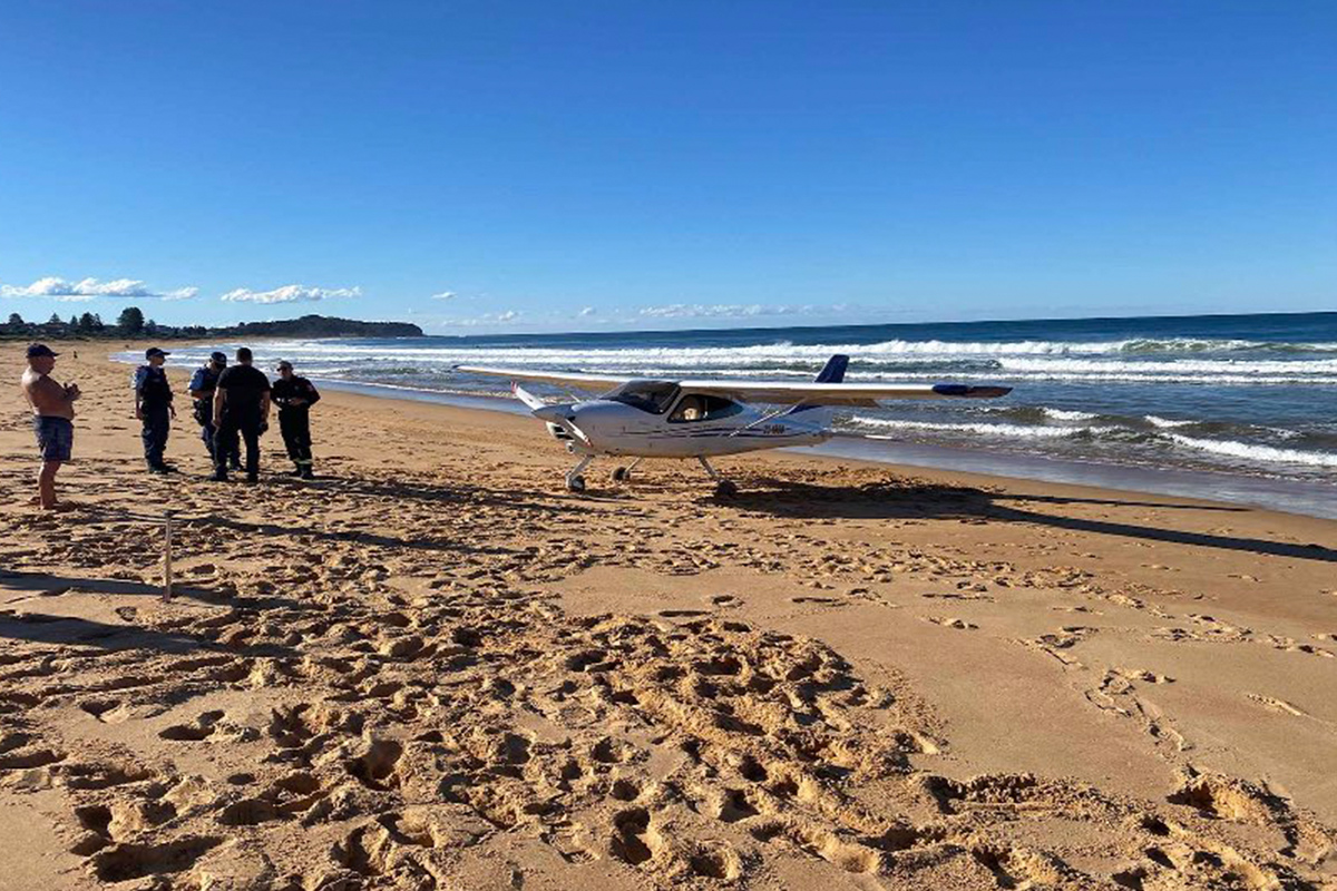 Article image for BREAKING   Light plane makes emergency landing on Northern Beaches