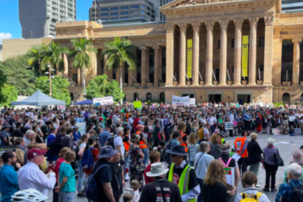 Article image for Hundreds rally for action on climate change in Brisbane's CBD