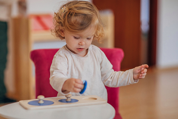 Article image for Governments pressed for reform as families stretch the paycheck for childcare