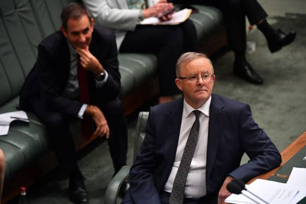 Article image for Milton Dick rejects claims Opposition Leader 'secretly' visited coal mine