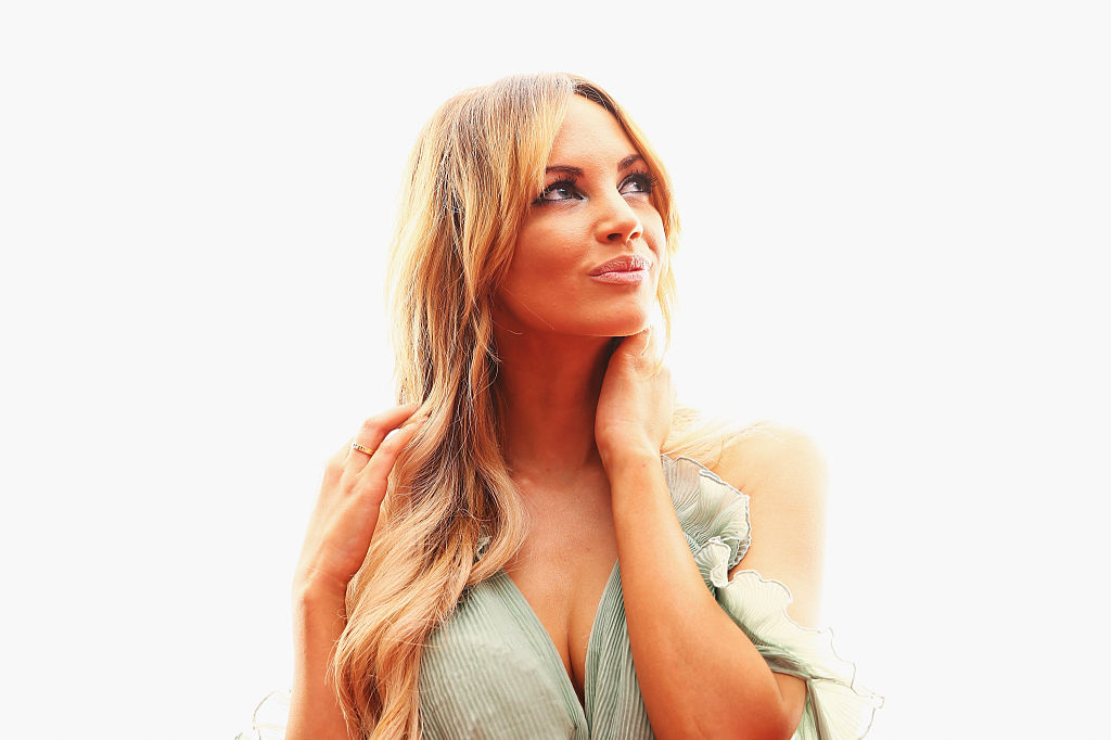 Article image for Late mother's 'pearls of wisdom' inspire and uplift Samantha Jade