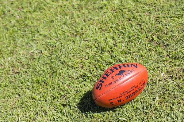 Article image for AFL clubs rush to Queensland as COVID chaos causes fixture mayhem